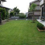 芝生を張ろう(8) – 芝刈り